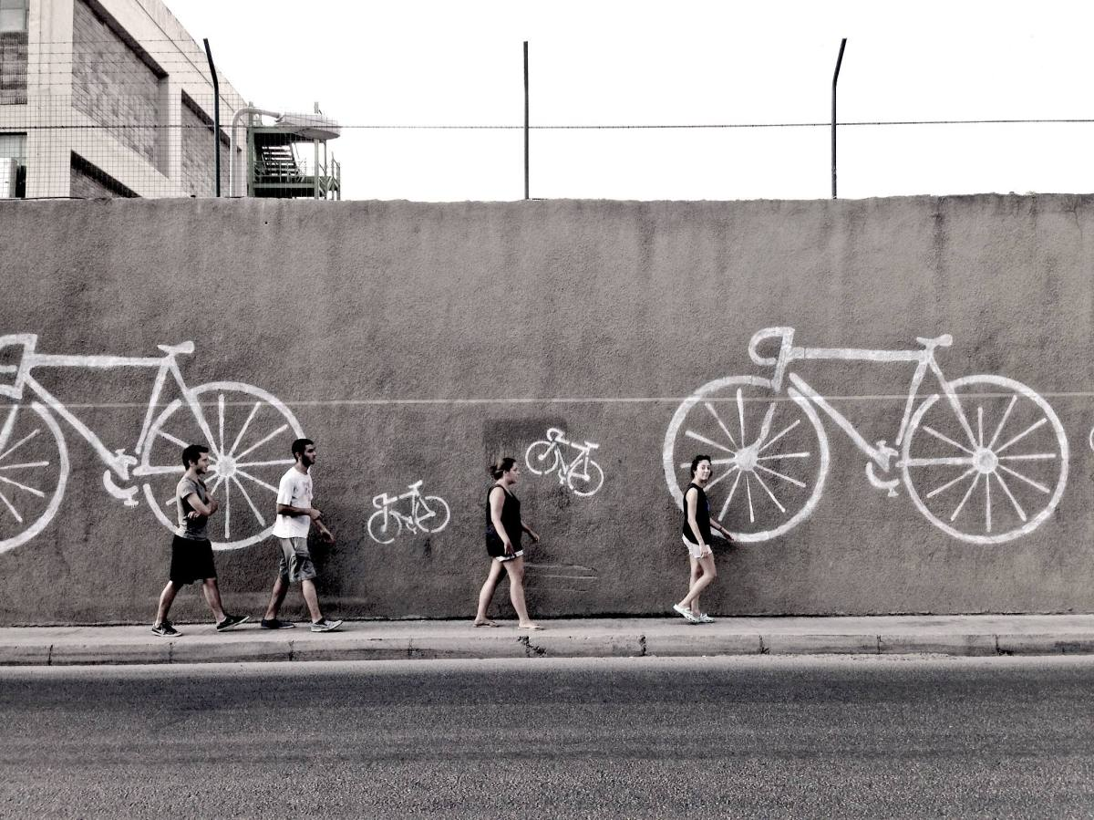 Painting the cycling scene (Beirutstyle)